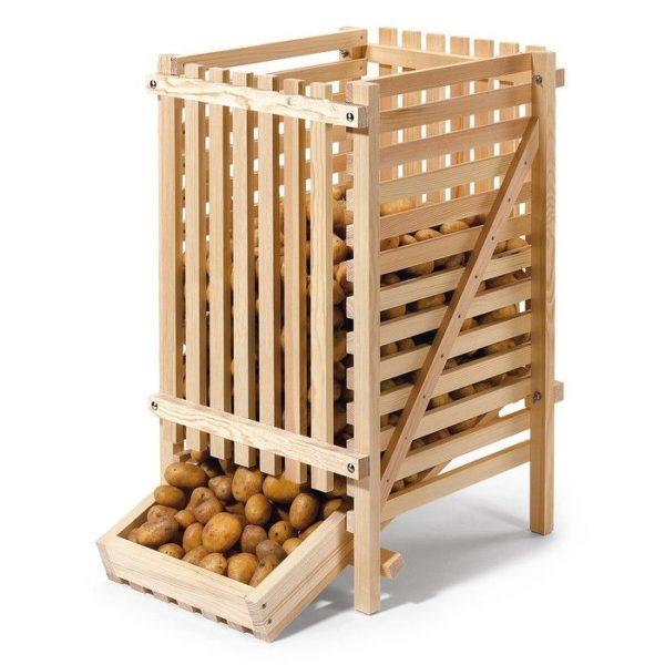 Деревянная конструкция для хранения овощей.