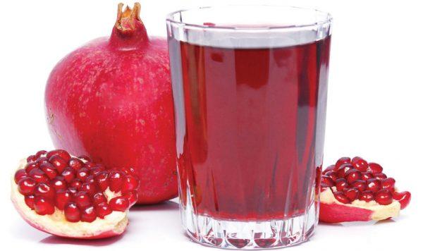 Красный гранатовый сок.