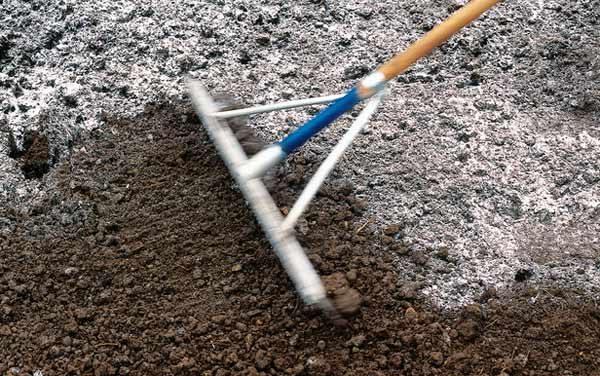 Известкование почвы.